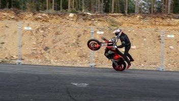 Moto - News: Ecco cosa si può fare con una KTM 450 EXC