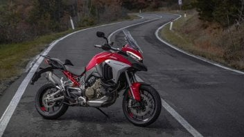 Moto - News: Alla scoperta della Motor Valley con la Ducati Multistrada V4