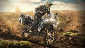 Moto - News: Kawasaki KLR 650 2022: 3 versioni e sfida a Tuareg 660 e Ténéré 700