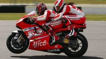 MotoGP: At Silverstone it's back to normal: get on the Desmosedici for a ride
