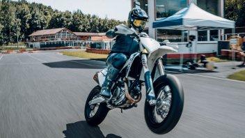 Moto - News: Husqvarna FS 450 2022, la supermoto racing nata per le corse