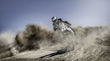 Moto - News: Ducati World Première 2022: la DesertX è in arrivo