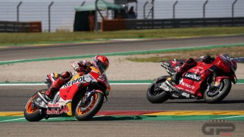MotoGP: ALL THE PHOTOS - Bagnaia's decisive overtaking move on Marquez at Aragon