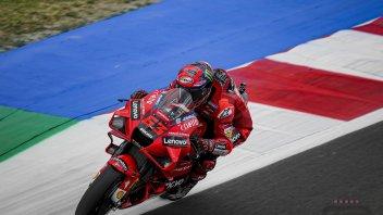 MotoGP: Bagnaia prenota la pole: 1° in FP3 a Misano, Marquez soffre e cade
