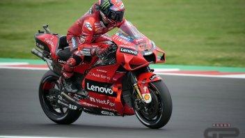 MotoGP: Bagnaia vince ancora! Battuto Quartararo a Misano, Bastianini sul podio