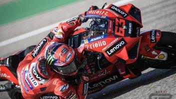 MotoGP: Bagnaia trionfa ad Aragon! Duello stellare con Marquez 2°. Bastianini 6°