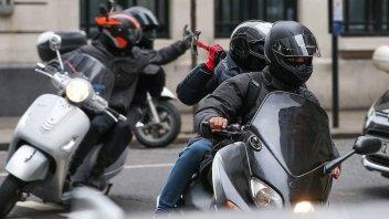 Moto - News: Si filmano sui social mentre rubano la moto: l'arresto è da record