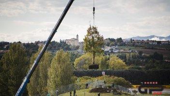MotoGP: Una quercia in onore e ricordo di Marco Simoncelli a Misano