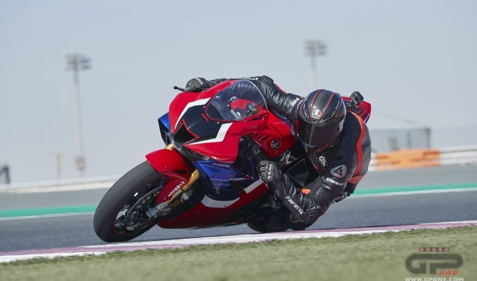 "Prodotto - Test: Test: Honda CBR 1000 RR-R - a revolution, ""bad"" to the bone…"